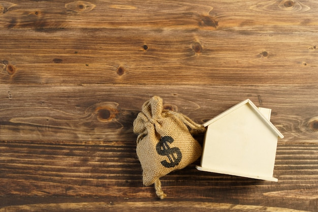 Modelo da casa modelo. using como plano de fundo do conceito de negócio e conceito imobiliário com espaço de cópia para o seu texto ou design.