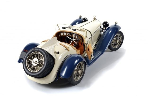 Modelo de carro antigo