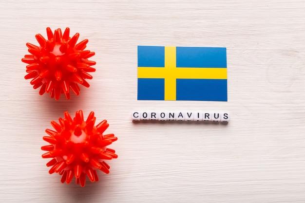 Modelo de cepa de vírus abstrato de coronavírus da síndrome respiratória do oriente médio 2019-ncov ou coronavírus covid-19 com texto e bandeira suécia em branco
