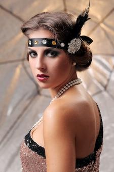 Modelo de glamour olhar sério