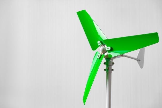 Modelo de hélice de moinho de vento de plástico em ambientes fechados close-up