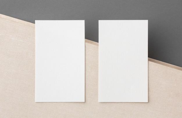 Modelo de impressão de papelaria de dois cartões de visita