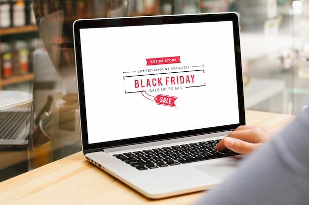 Modelo de laptop preto venda sexta-feira