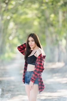 Modelo de menina tailandesa underware ásia