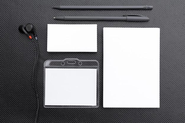 Modelo de papelaria em branco