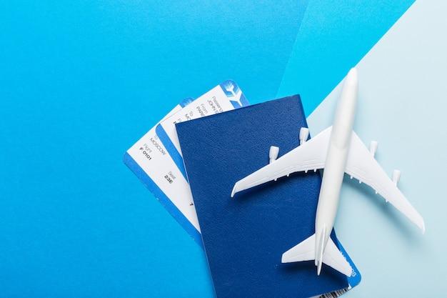 Modelo em branco branco de avião de passageiros