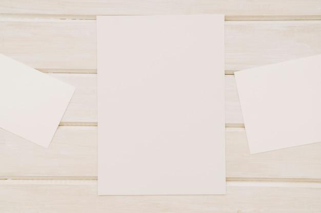 Modelos de documentos brancos