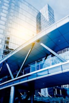 Modernos arranha-céus em xangai