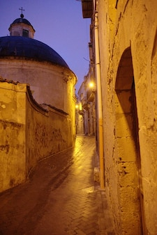 Modica noite da cidade sicília crepúsculo antigo italy