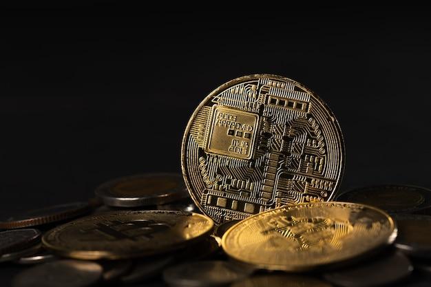 Moeda bitcoin dourada de criptomoeda