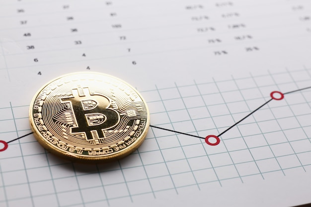 Moeda de moeda criptográfica bitcoin contra