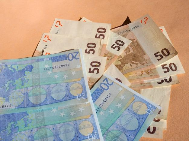 Moeda de notas de cinquenta e vinte euros da união europeia