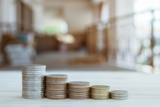 Moeda para poupar dinheiro para um bom crescimento financeiro na sua vida, poupando negócios