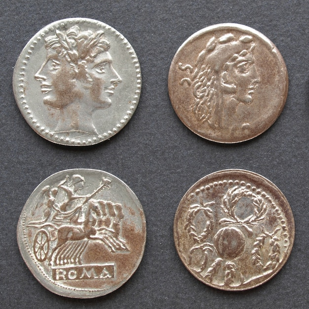 Moedas romanas e gregas antigas