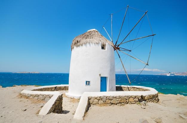 Moinho de vento famoso de mykonos - ilhas gregas