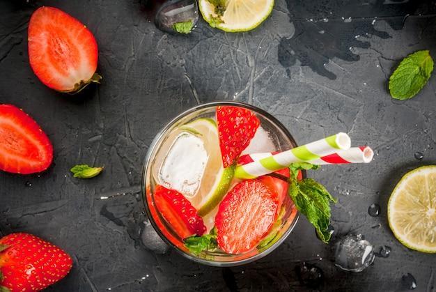 Mojito refrescante de verão com morango