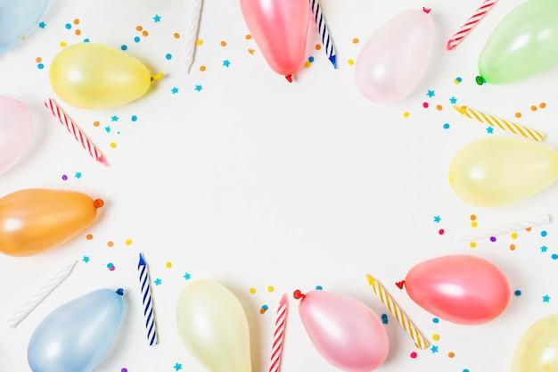 Moldura de balões com espaço de cópia