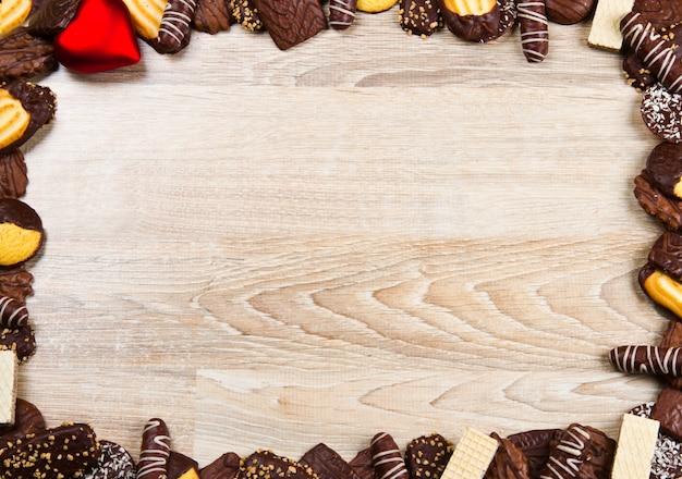 Moldura de biscoito em madeira