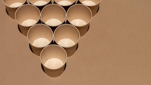 Moldura de copos de ângulo alto com espaço de cópia