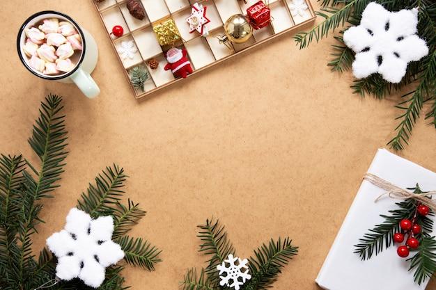 Moldura de decorações de natal com espaço de cópia