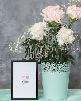 Moldura de dia das mães e lindas flores