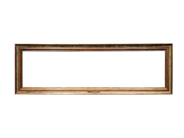 Moldura de madeira dourada vintage isolada no fundo branco