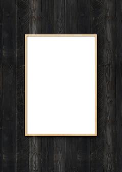Moldura de madeira pendurada em uma parede de madeira preta