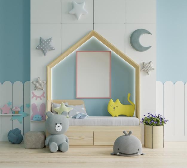 Moldura de pôster simulada em quarto infantil, quarto infantil, maquete de berçário, parede azul