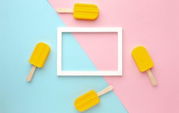 Moldura de vista superior com sorvetes