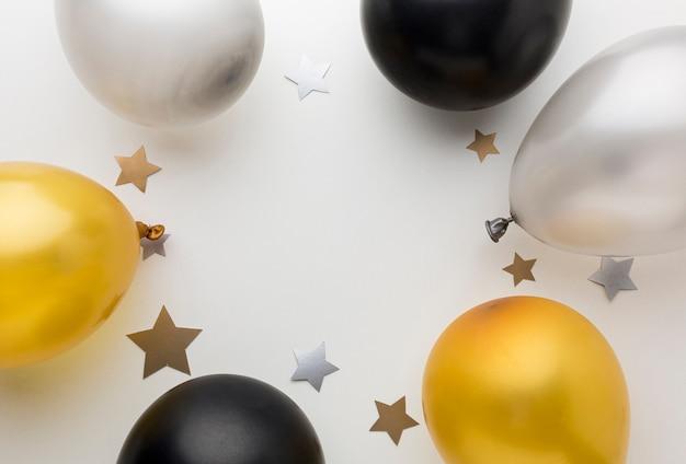 Moldura de vista superior de balões