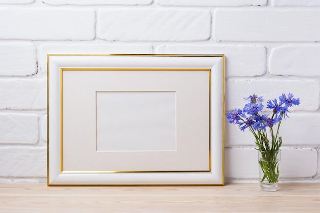 Moldura decorada ouro com centáurea