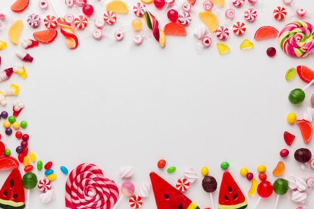 Moldura doce feita de doces com espaço de cópia