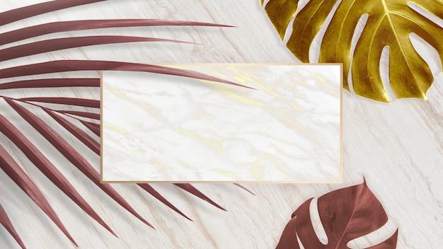 Moldura dourada da natureza sobre fundo de mármore
