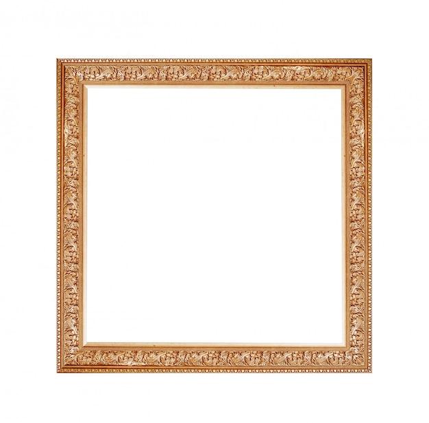 Moldura dourada para uma foto em um fundo branco isolado