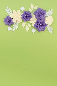 Moldura floral plana leiga com cópia-espaço