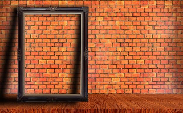 Moldura na parede de tijolo vermelho