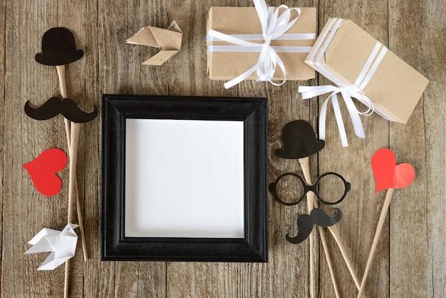 Moldura para fotos de família e presentes para o feriado do dia dos pais.