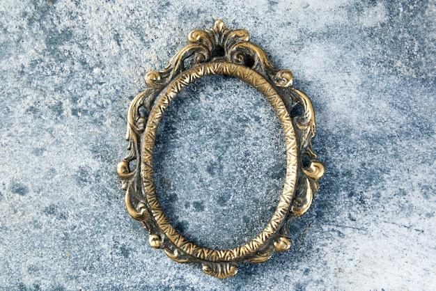 Moldura para retrato de bronze antigo