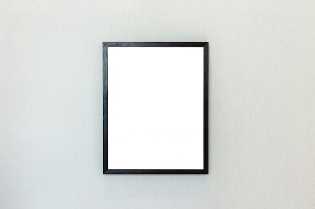 Moldura preta em branco na parede