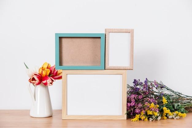Molduras para fotos e flores