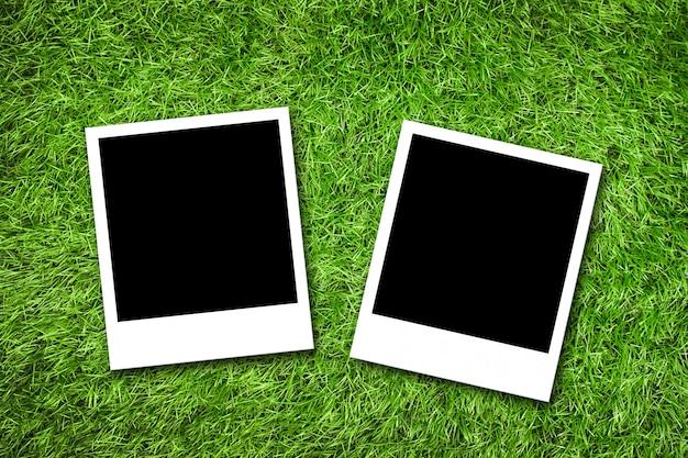 Molduras para fotos na grama