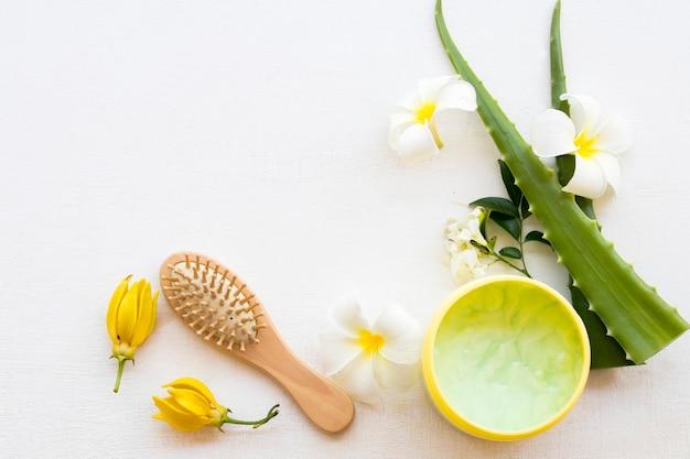Molhe o creme de aroma de tratamento de aloe vera