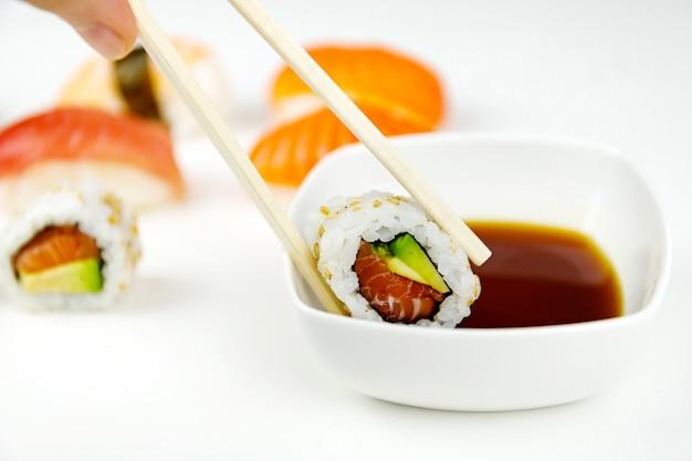 Molho de sushi e soja