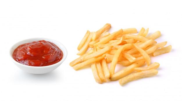 Molho de tomate e batatas fritas isoladas no espaço em branco