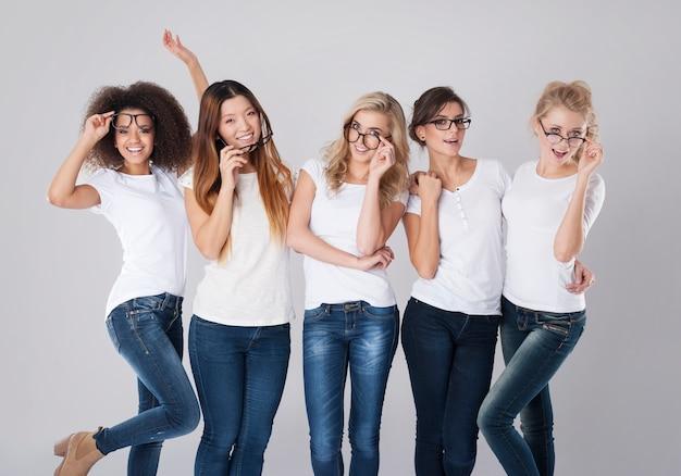 Momentos divertidos com óculos fashion
