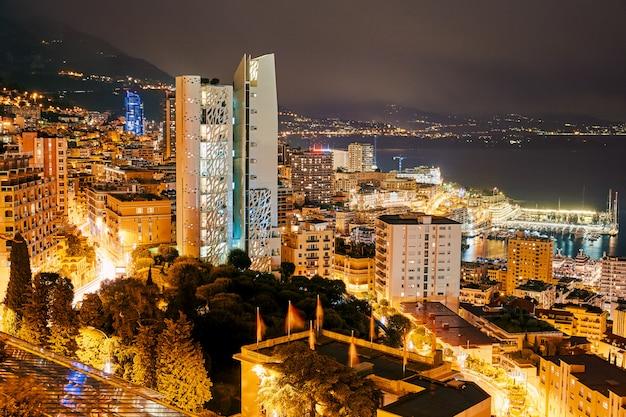 Monaco iluminou a cidade à noite