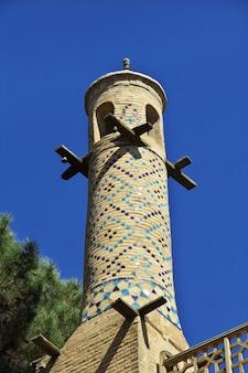 Monare jonban agitando minaratos em isfahan, irã