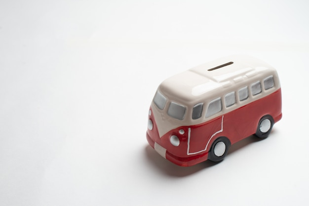 Moneybox de ônibus vermelho