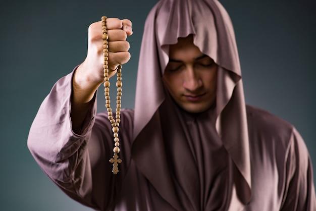 Monge em conceito religioso