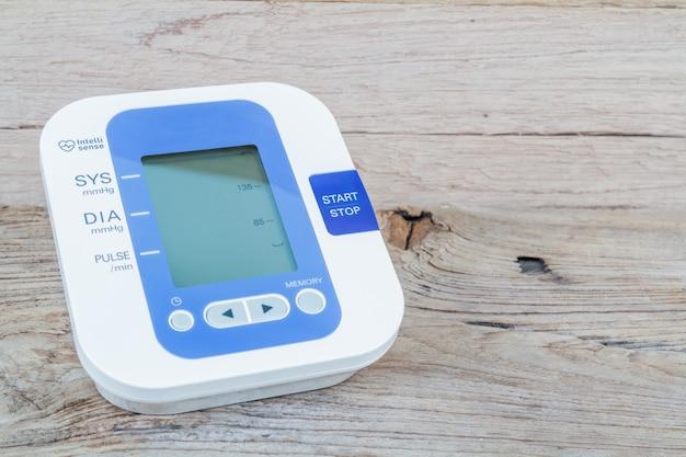 Monitor de pressão arterial automático